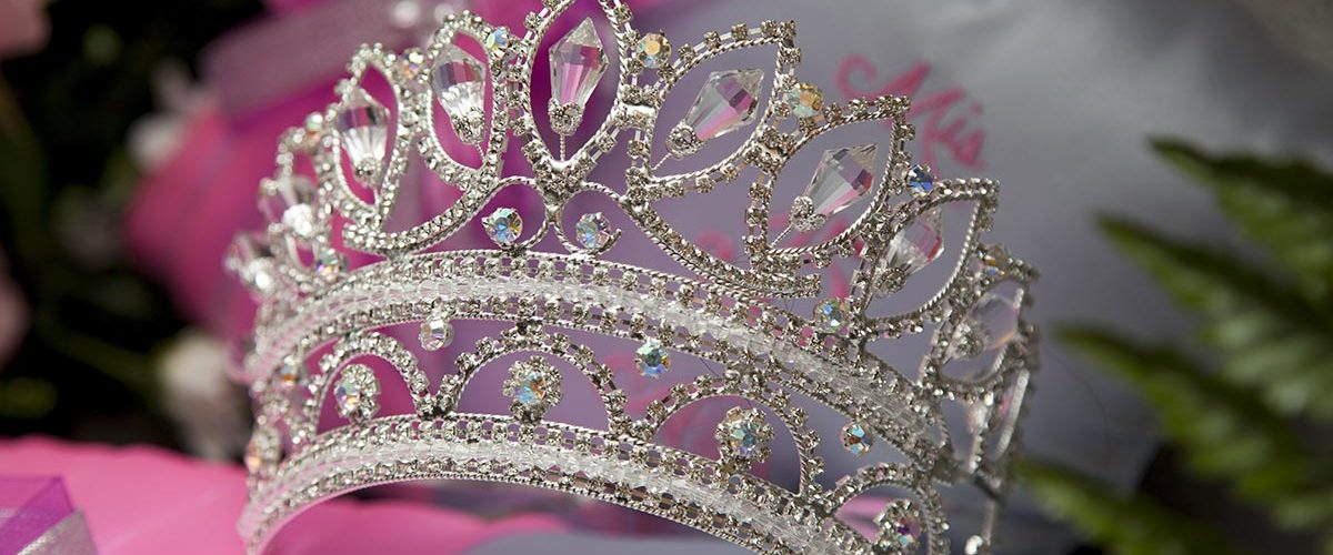 6 Gift Ideas for Attending a Quinceanera